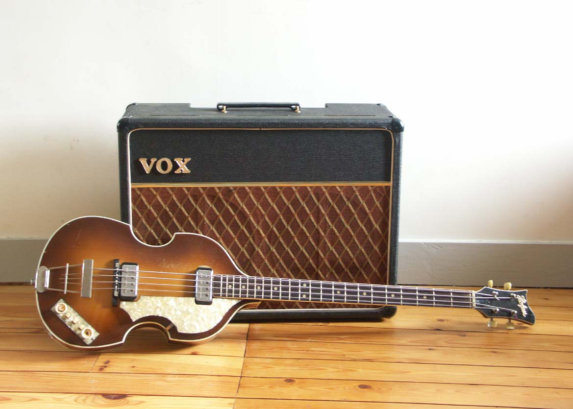 "Hôfner 500/1  ""Beatles Bass"" 1963 + Vox AC10"